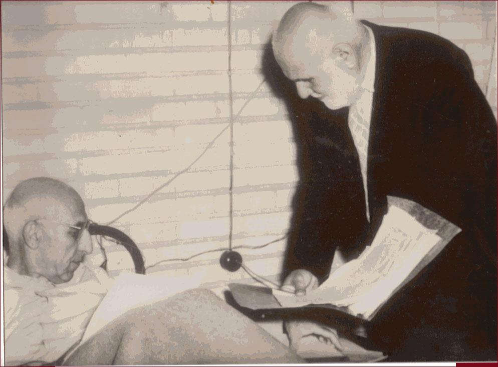 دکتر مصدق و احمد بهار