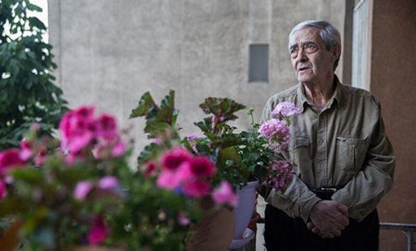 احمدرضا احمدی (زاده ۳۰ اردیبهشت ۱۳۱۹ در کرمان) شاعر، نمایشنامهنویس و نقاش ایرانی